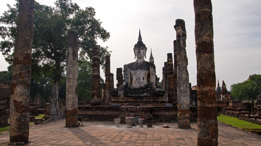 Buddha statues of the Viharn Luang in the Wat Mahathat, Sukhothai