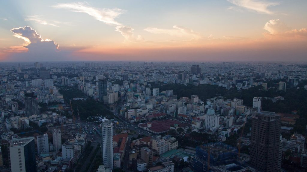 Ho Chi Minh City bei Sonnenuntergang vom Bitexco Financial Tower, Vietnam