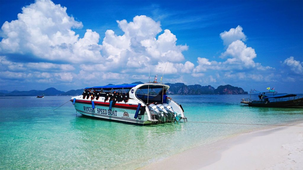 Speedboat on the Krabi 4 Island Tour
