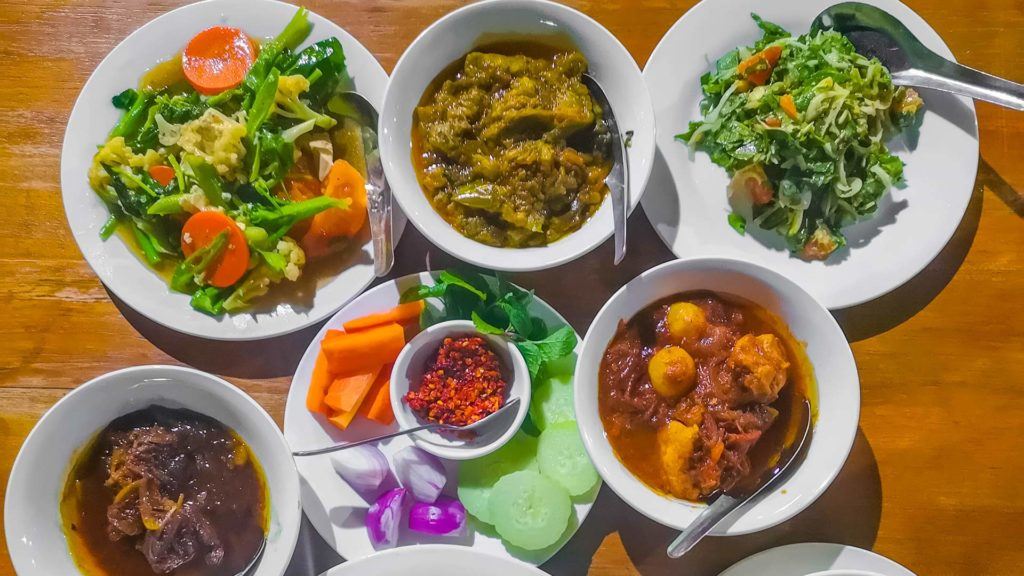 Currys (Curry Set) in Myanmar