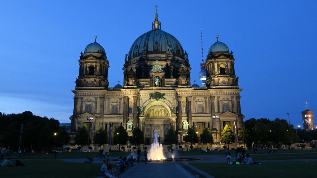 The Berlin Cathedral on Museum Island at the blue hour