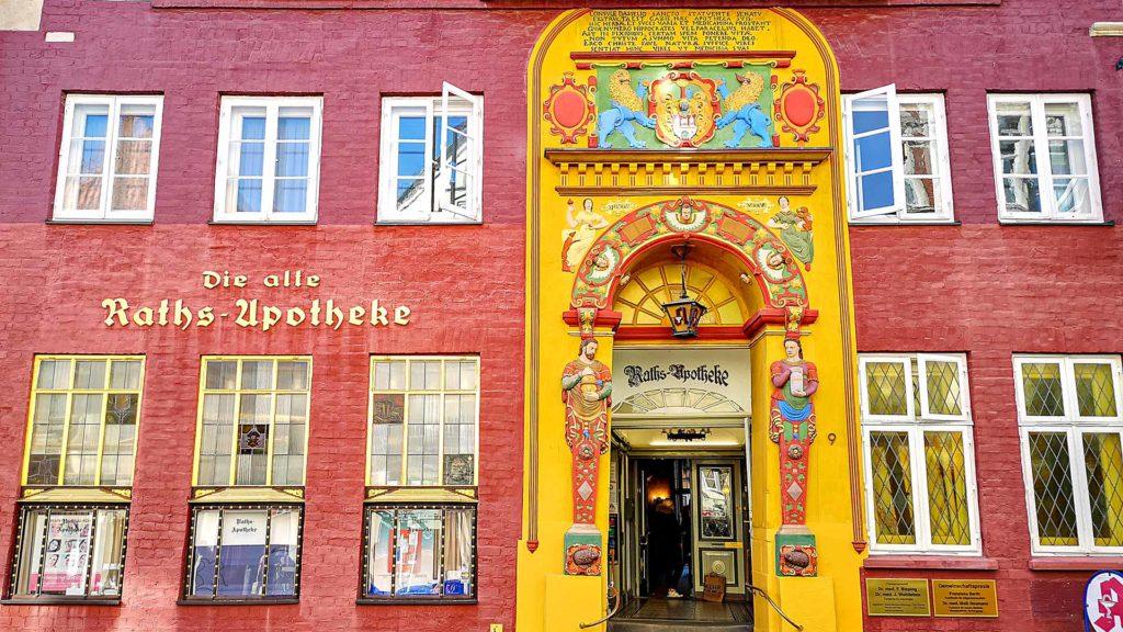 Die alte Raths-Apotheke in der Bäckerstrasse in Lüneburg